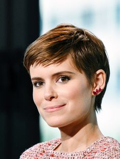 Pixie hair cuts for 2018: Kate Mara  - CosmopolitanUK
