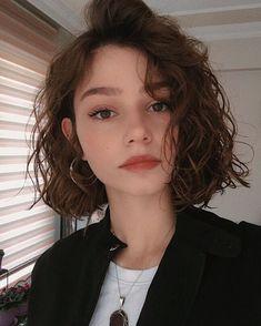 Curly Hair Cuts, Cut My Hair, Short Hair Cuts, New Hair, Curly Hair Styles, Short Curly Haircuts, Girl Short Hair, Curly Bob Hairstyles, Hair Inspo