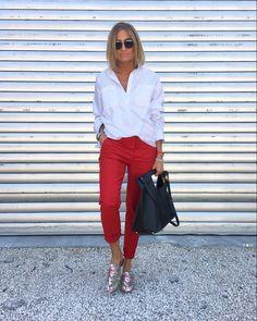 Classy Inspo via # læder taske . - Sommer Mode Ideen Classy Inspo via # læder taske ., Screamin x Outfits, de schönste. Red Jeans Outfit, Red Pants, Maroon Pants, Pants Outfit, Adrette Outfits, Casual Outfits, Fashion Outfits, Casual Dresses, Fashion Trends