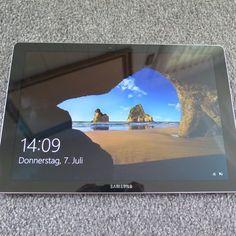 Das Display . Mir gefällt es super ! Es ist groß genug und hat richtig gute Fraben , absolut klar . https://crazyhibble.wordpress.com/2016/07/07/samsung-galaxy-tabpro-s/ #insiderstabpros #produkttest #samsung #dieinsider #dieinsiderprodukttest #samsunggalaxy #samsunggalaxytabpros #tablet #samsungtablet #tabletundlaptop
