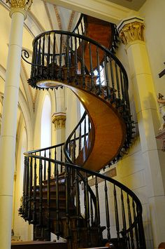 Santa Fe - Miracle Staircase (by psuhockeychick) a miracle no nails nothing holding it up...you just have to believe