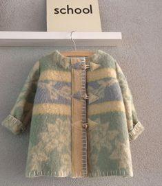 Girls jacket, blanket coat dekenjas made of a vintage wool blanket in soft…