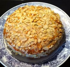 Carrot and almonds cake