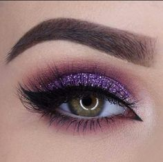 Most Stunning Eyeshadow Makeup Arts 💖 You Should Try in Prom and Party ✨ - Diaror Diary - 💕𝕴𝖋 𝖀 𝕷𝖎𝖐𝖊, 𝕱𝖔𝖑𝖑𝖔𝖜 𝖀𝖘! 💕✨ 💕 💕 💕 💕 💕 💕 💕 💕💋💕 Everythings about sexy eyeshadow makeup tips for you! Eyeshadow Tips, Pink Eyeshadow, Eyeshadow Makeup, Purple Eyeshadow Looks, Prom Makeup, Makeup Case, Hair Makeup, Flapper Makeup, Makeup Geek