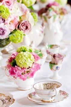 Vintage Crockery, Vintage China, Vintage Tea, Vintage Tableware, Vintage Party, Dresser La Table, Party Deco, High Tea, Afternoon Tea