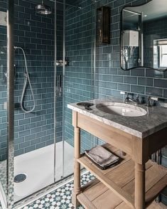 Thrilling Small shower remodeling cost ideas,Shower remodeling diy walk in tricks and Bathroom shower remodel before and after. Corner Shower Tile, Small Shower Room, Small Bathroom, Corner Showers, Family Bathroom, Bathroom Ideas, Travertine Shower, Gray Shower Tile, Shower Basin