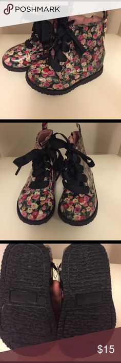 Zip up Toddler boots NWT!  Trendy floral zip up ankle toddler boots with faux tie up laces.  Make me an offer! Koala Kids Shoes Boots