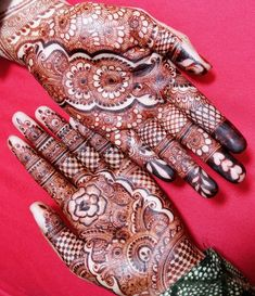 Easy and Simple Mehndi Design, Latest collection of Mehandi Design Best collection of easy and stylish mehndi design, 2019 best collection of Mehendi design. Mehndi Desgin, Stylish Mehndi Designs, Beautiful Henna Designs, Best Mehndi Designs, Arabic Mehndi Designs, Mehndi Designs For Hands, Mehndi Art, Henna Mehndi, Henna Art
