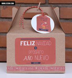 Cajita Navidad roja, una forma muy original de envolver tus regalos de Navidad.