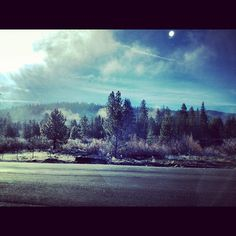 Beginning of a beautiful riding day... #laketahoe #ski #snowboard #arctivity  2d