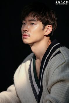 Lee Je Hoon makes your heart flutter in BTS shots of commercial shoot. Lee Je Hoon Tomorrow With You, Asian Actors, Korean Actors, Time To Hunt, Indie Films, Asian Hotties, Korean Entertainment, Movies Showing, Heart Flutter