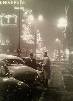 The Kärntnerstraße in Vienna by night. From the book Wien published 1958 Vintage Photographs, Vintage Photos, Green Label, Cultura Pop, Nocturne, City Lights, Street Lights, Radios, Action Movies