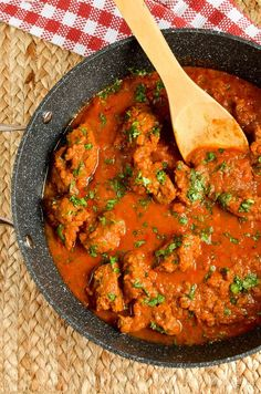 A Hearty Low Syn Instant Pot Bombay Lamb Curry - delicious flavours, simple ingredients and can also be cooked stove top or in a slow cooker.