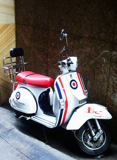 1.3.2 │ Ben Sherman Vespa - The branding of an icon
