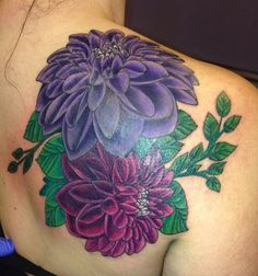 Dahlia as a tattoo dahlia tattoo back tattoo ideas тату. Dad Tattoos, Pin Up Tattoos, Forearm Tattoos, Rose Tattoos, Tattoo You, Back Tattoo, Floral Tattoos, Heart Tattoos, Dahlia Flower Tattoos