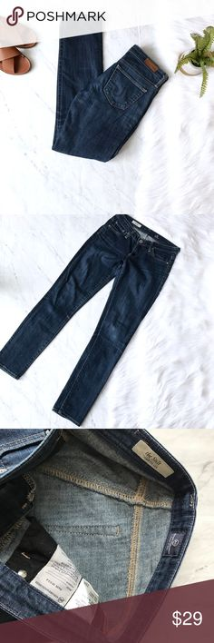 AG Sz 25 jeans the stilt Cigarette Leg AG jeans. Sz 25. Great condition. Stretchy. AG Adriano Goldschmied Jeans Skinny