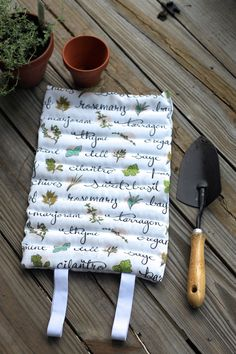 How-To: DIY Garden Kneeling Pad #sewing #gardening