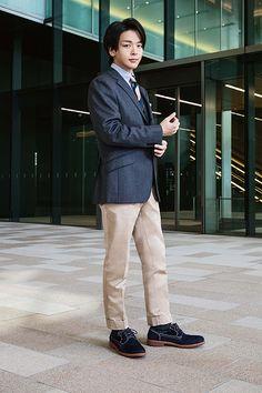 中村倫也さん| HAWKINS TRAVELLER | ホーキンス トラベラー | ABC-MARTオンラインストア 【公式通販】 Normcore, Actors, Suits, Japanese, Outfits, Japanese Language, Actor, Suit, Wedding Suits