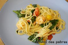Spagheti com camarão, espinafres e tomate cherry | ratatui dos pobres