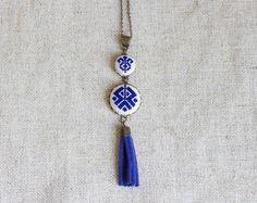 Stoffketten - Kreuzstich ethnischen Halskette-dunkelblau - ein Designerstück von skrynka bei DaWanda
