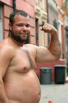 Hump Day Honey - 03 October 2012 - Bicep, belly & burlyness, courtesy of Superbears.