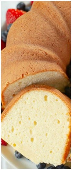Dollar Pound Cake Million Dollar Pound Cake ~ A rich and buttery pound cake that is delicious.Million Dollar Pound Cake ~ A rich and buttery pound cake that is delicious. Homemade Pound Cake, Pound Cake Recipes, Homemade Cakes, Best Ever Pound Cake Recipe, Pound Cake Cupcakes, Homemade Recipe, Bundt Cakes, Frosting Recipes, Köstliche Desserts
