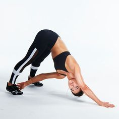 HIIT is likewise responsible for building muscle mass. This is due to the fact that HIIT constructs endurance and triggers more blood flow with much better contractility to the muscles. Six Pack Abs Workout, Best Ab Workout, Workout Diet, Fat Burning Yoga, Fat Burning Workout, Best Hiit Workouts Fat Burning, Fitness Workouts, Cardio Workouts, Tabata