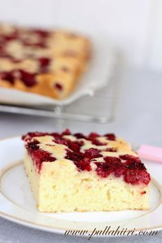 Make a traditional baked New York Cheesecake in about 5 minutes with my Microwave Cheesecake recipe for amazing, creamy baked flavor with less fuss. Microwave Cheesecake Recipe, Easy Cheesecake Recipes, Cheesecake Bars, Microwave Baking, Microwave Recipes, Baking Recipes, Köstliche Desserts, Healthy Desserts, Dessert Recipes