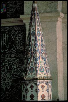 cocoroachchanel:    Qibla Wall, minbar peak, Istanbul, Mosque of Sokullu
