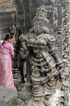 Sculpture in the Vasantha Mantapa at Bhoga Nandeeswara Temple, Karnataka Indian Temple Architecture, India Architecture, Ancient Architecture, Ancient Indian Art, Ancient Art, Lotus Sculpture, Hindu Deities, Hinduism, India Art