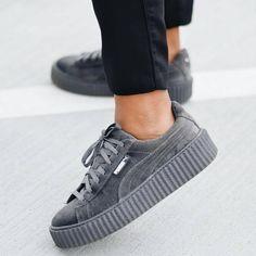 "63.6 mil Me gusta, 387 comentarios - S H O E S ⚫H U T (@instashoeshut) en Instagram: "" @instashoeshut Tag besties and comment Shopping link in bio ❤ ▶ #shoes #shoe #kicks…"""