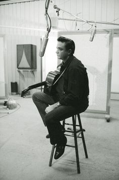 """Song """"Folsom Prison Blues"""" ukulele chords and tabs by Johnny Cash. Free and guaranteed quality tablature with ukulele chord charts, transposer and auto scroller. Johnny Cash June Carter, Johnny And June, Music Love, Music Is Life, Happy Birthday To You, Masters, Audio, Portraits, Music Film"""