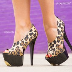 Animal print w/ gold tip Crazy Shoes, Me Too Shoes, Stiletto Shoes, Shoes Heels, Heeled Boots, Shoe Boots, Shoe City, Club Shoes, Beautiful Heels