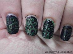 Black and Green Swrils – Weekend Mani.!