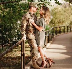 (:Tap The LINK NOW:) We provide the best essential unique equipment and gear for active duty American patriotic military branches, well strategic selected.We love tactical American gear. How To Take Engagement Photos Yourself Military Couple Pictures, Military Couples, Military Love, Army Engagement Pictures, Military Family Photos, Military Homecoming Pictures, Military Spouse Quotes, Family Engagement, Engagement Shoots