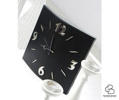 Non solo un orologio da parete, ma un oggetto di design. www.gioacchinobrindicci.it #homedesign #madeinitaly #interiordesign