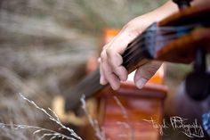 A beautiful shot of a beautiful instrument. Cello = heavenly. :-)