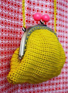 ponnekeblom: gouden tasje