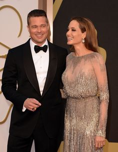 Brad Pitt & Angelina Jolie - Oscars 2014 Red Carpet: Photo Brad Pitt and Angelina Jolie are a picture perfect pair while making their entrance on the red carpet at the 2014 Academy Awards held at the Dolby Theatre on Sunday… Vivienne Marcheline Jolie Pitt, Angelina And Brad Pitt, Brad And Angie, Shiloh, Jennifer Aniston, Brad Pitt Haircut, Best Oscar Dresses, Oscars 2014, Star Wars