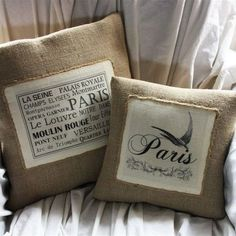 Smaller burlap accent pillow with solid inset. Also note twine edging Burlap Projects, Burlap Crafts, Fabric Crafts, Burlap Pillows, Custom Pillows, Decorative Pillows, Pillow Quotes, Vintage Paris, Hessian