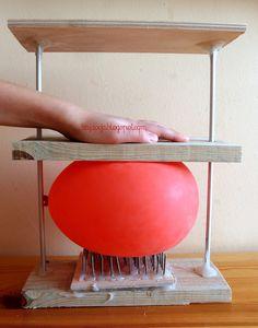 Bajdocja: Łoże fakira dla... balona