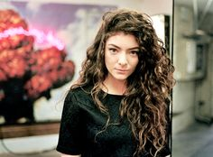Ella Yelich-O'Connor, known by her stage name Lorde has such gorgeous hair and an even better voice!