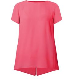 """Introduce some colour to party looks with this neon pink longline tee - black ripped knee skinny jeans to add an edgier twist.- Simple short sleeves- Keyhole back- Woven fabric- Classic crew neckline- Casual fit- Model is 5'8""""/176cm and wears UK 10/EU 38/US 6"""