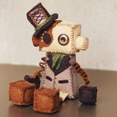 These are so cute! I'm so gonna find time someday to make this! :) Steampunk Robots, Steampunk Dolls, Steampunk Kids, Steampunk Costume, Couture Bb, Felt Puppets, Felt Hearts, Felt Diy, Plush Dolls