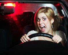 Il 33% della popolazione ha letteralmente il terrore di guidare. La percentuale tra i maschi supera il 36%. Ma tra le donne il panico da guida è ancora più diffuso ...  http://attacchidipanico-ansia-agorafobia.blogspot.it/2014/12/amaxofobia-quando-ti-prende-la-paura-di.html