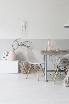 For a similar look, use Colorhouse AIR in a color-block pattern for a modern and chic living space. My Living Room, Home And Living, Living Spaces, Interior Design Tips, Interior Styling, Room Inspiration, Interior Inspiration, Moraira, Scandinavian Interior