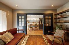 内装ドア「VERITIS(ベリティス)CRAFT LABEL(クラフトレーベル)」設置イメージ1 Japanese House, Decor Crafts, Home Decor, My Room, New Homes, Interior, Table, Furniture, Design