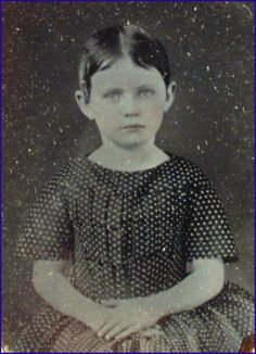 VINTAGE-CASED-AMBROTYPE-PORTRAIT-OF-A-YOUNG-GIRL-1-9-PLATE