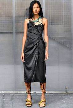 #Ottolinger #SpringSummer2019 #PFW #BristishVogue Fashion 2020, Runway Fashion, Fashion Brands, High Fashion, Fashion Show, Fashion Outfits, Womens Fashion, Spring Summer Fashion, Autumn Fashion