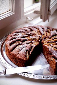 Pear chocolate amaretto cake | KevertTészta ❌ Egyensúlytészta ALAPrecept 20x30 cm-es tepsi vagy 1,5 literes sütőforma: ❌ 1.)❗ 20 dkg vaj, 20 dkg cukor, 1 cs vaníliás cukor, 4 tojás, 2 dl tej, 40 dkg liszt, 1 kk sütőpor. ❌ 2.)❗4 közepes tojás kb. 60 g/db, 1 csipet só, 250 g cukor, 10 g bourbon vaníliás cukor, 250 g vaj, 1 biocitrom, 250 g finomliszt. ❌ 3.)❗ 250 g vaj, 200 g cukor, 1 csipet só, kb. 50 mltej, 1 Vanillincukor, 500 g liszt, 1 tk sütőpor, 5 tojás. ❌